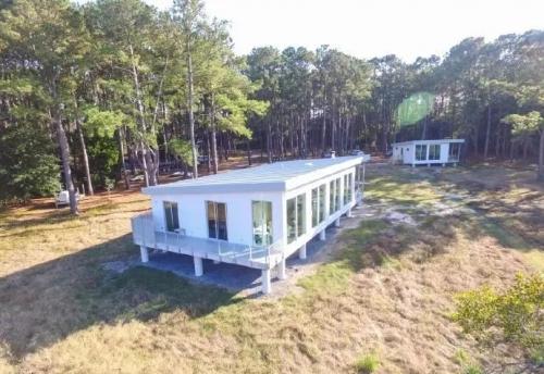 一栋采用钢结构装配式建造住宅案例,这房子还能发电!